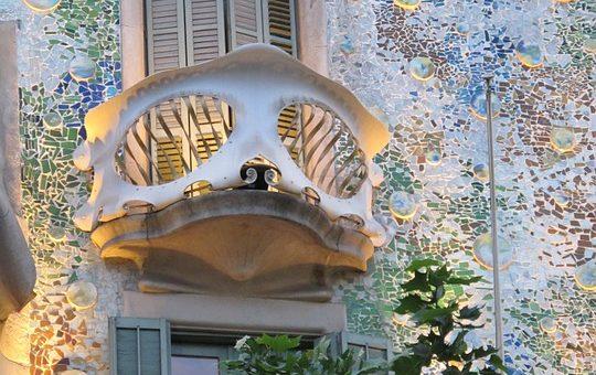 Listwa maskująca wokół okna