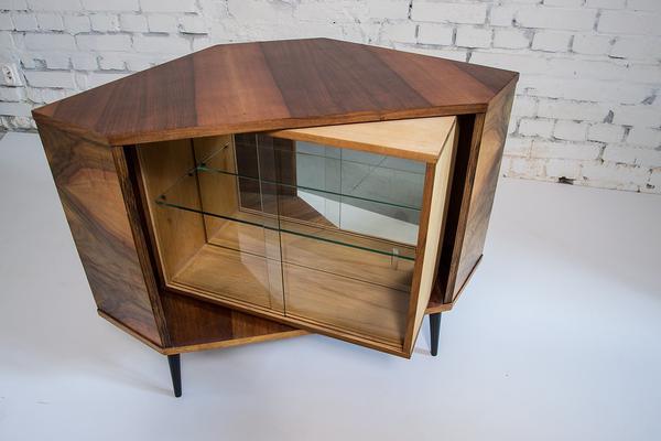 drewniana szafka pod akwarium